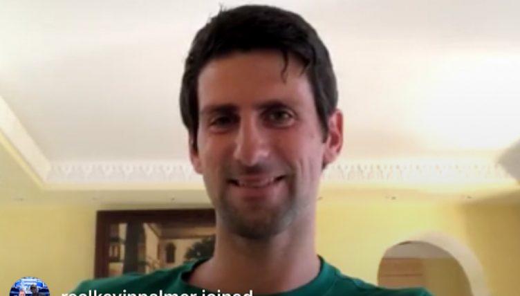 Le spectacle de Novak Djokovic et Andy Murray : Un couple construit son parfait joueur de tennis sur le chat Instagram
