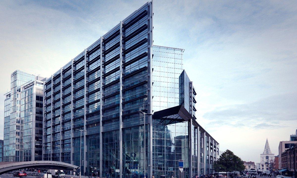 RBS imite la Starling Bank avec une carte de débit de rechange pour Covid-19 vulnérable