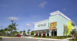 Un parent de Pollo Tropical retourne une aide aux petites entreprises