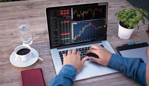 Acheter des actions en ligne : quel courtier choisir?